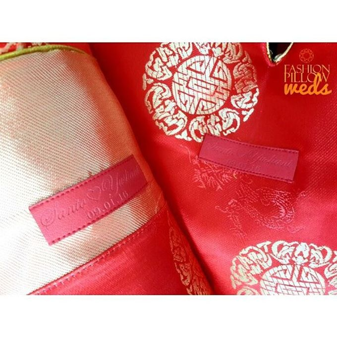 Cheongsam Wedding Pillow for Sangjit by Fashion Pillow Weds - 006