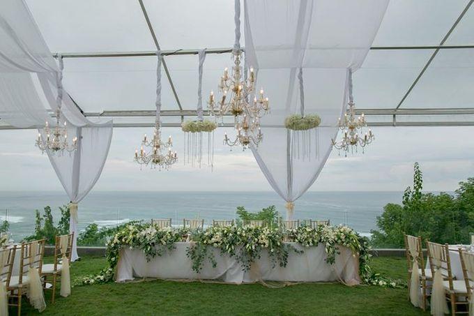 White Green and Gold Elegant Wedding at Latitude Villa by Flora Botanica Designs - 008