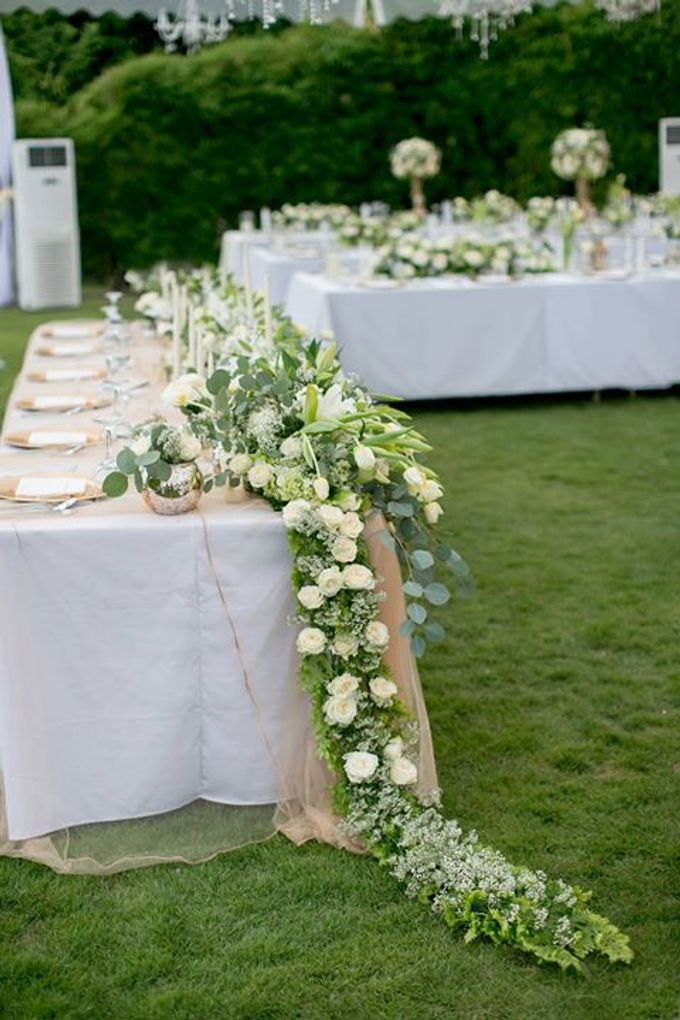 White Green and Gold Elegant Wedding at Latitude Villa by Flora Botanica Designs - 022