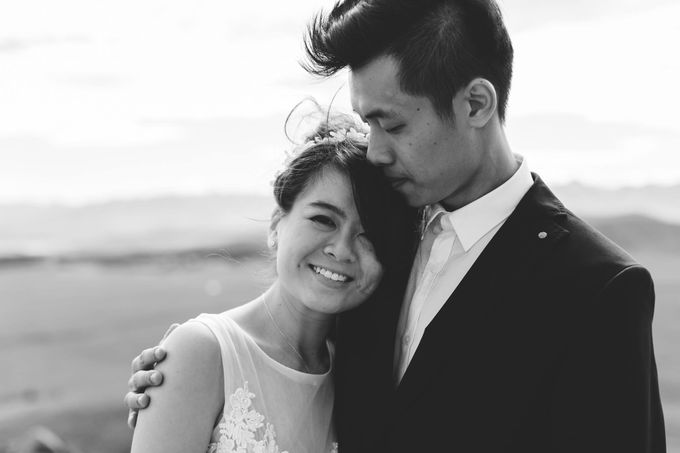 Intimate Wedding at Lake Tekapo by Light Up Weddings - 018