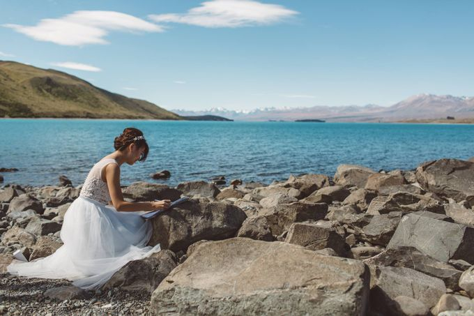 Intimate Wedding at Lake Tekapo by Light Up Weddings - 009