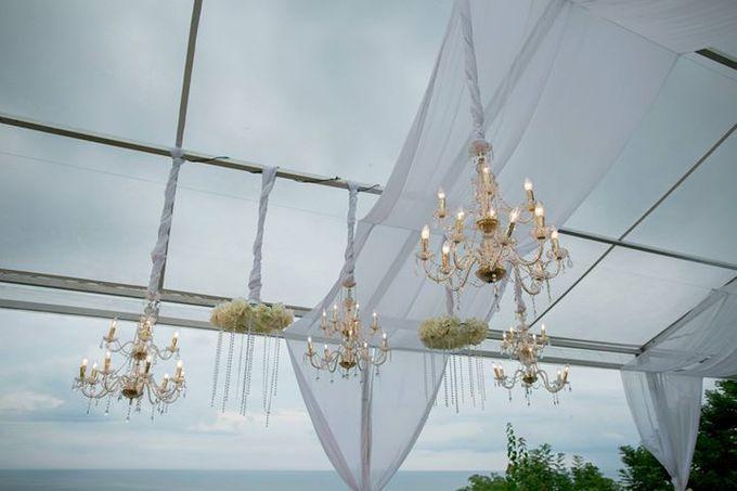 White Green and Gold Elegant Wedding at Latitude Villa by Flora Botanica Designs - 005