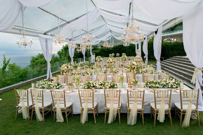 White Green and Gold Elegant Wedding at Latitude Villa by Flora Botanica Designs - 009