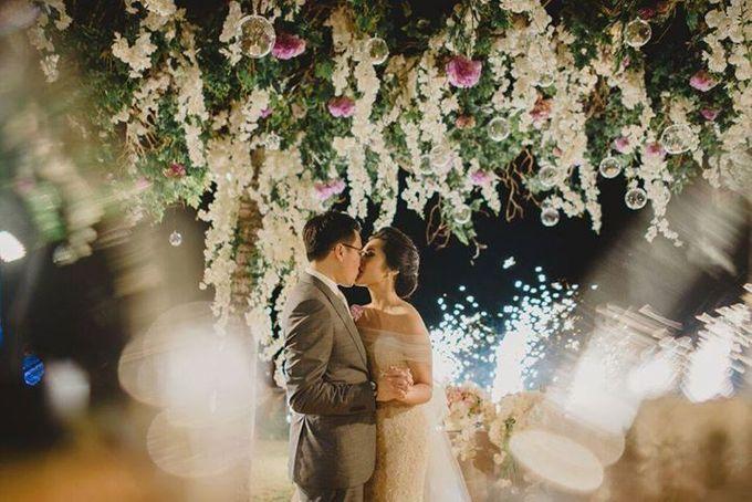 Steven & Aie Enchanted Garden Wedding by Flying Bride - 045