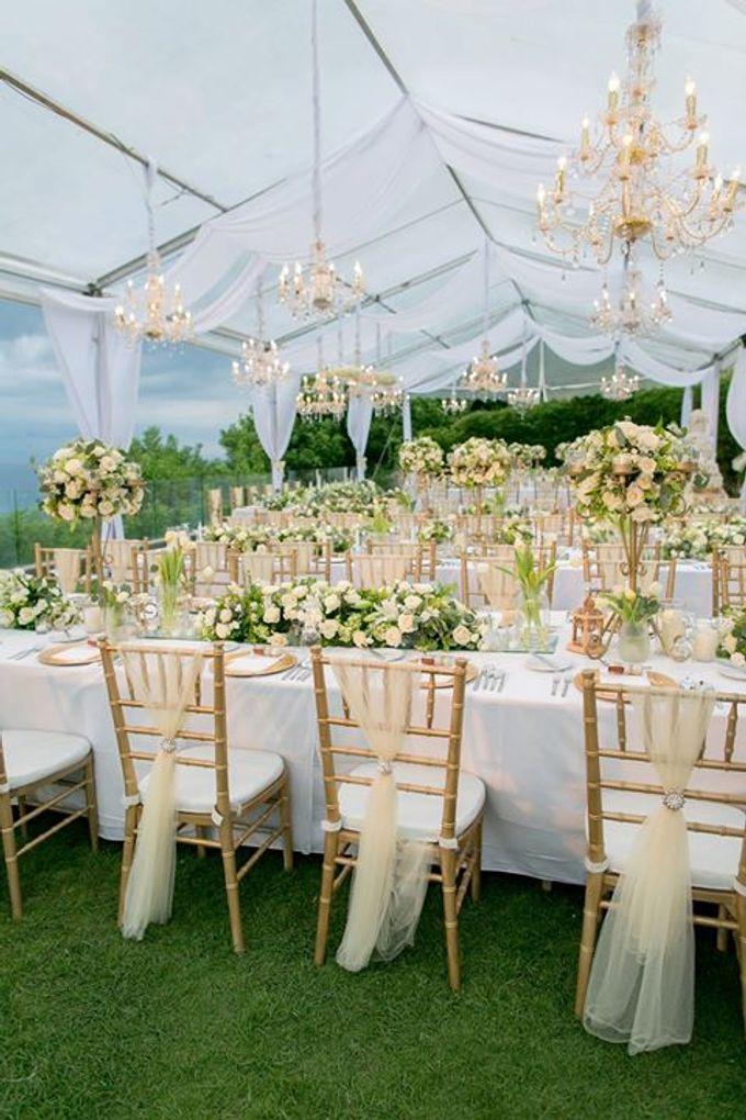 White Green and Gold Elegant Wedding at Latitude Villa by Flora Botanica Designs - 011