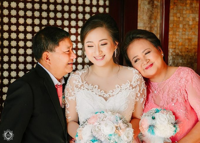 Tiffany Blue and Lace in Manila Hotel by Ruffa and Mike Photography - 015