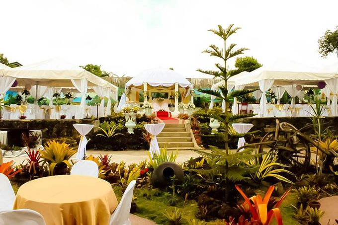 Beautiful Outdoor Garden Wedding by Casa De Carlo - 001
