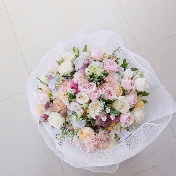Wrapped flower bouquet by Fleur de Lis - 008