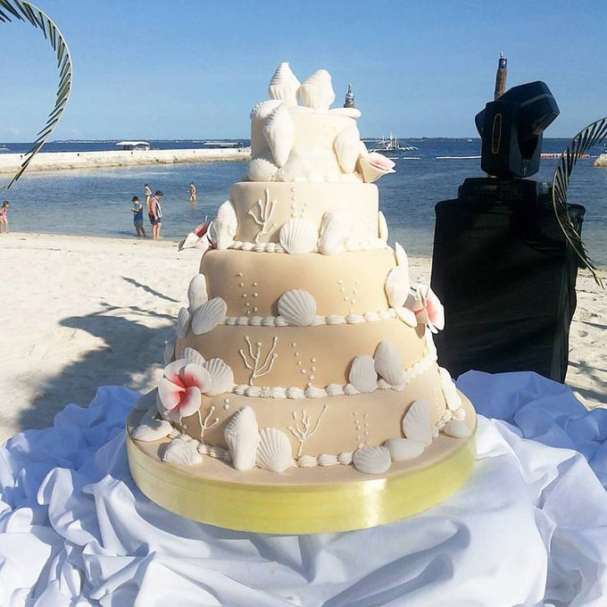 Wedding Cakes by The Cupcake Theory - 014