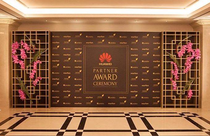 HUAWEI Partnership Award by Maria German decor - 002