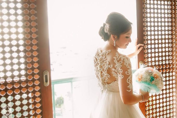 Tiffany Blue and Lace in Manila Hotel by Ruffa and Mike Photography - 003