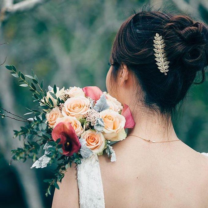 Bridal Hand Bouquet by Petite Fleur SG - 019