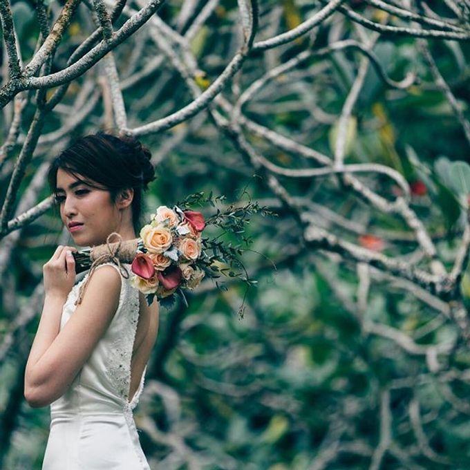 Bridal Hand Bouquet by Petite Fleur SG - 020