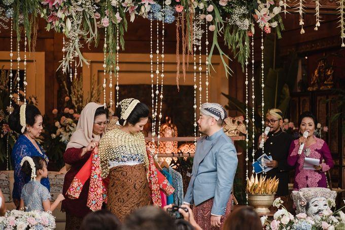 JAVANESE TRADITIONAL TINGKEBAN by Bali Izatta Wedding Planner & Wedding Florist Decorator - 011