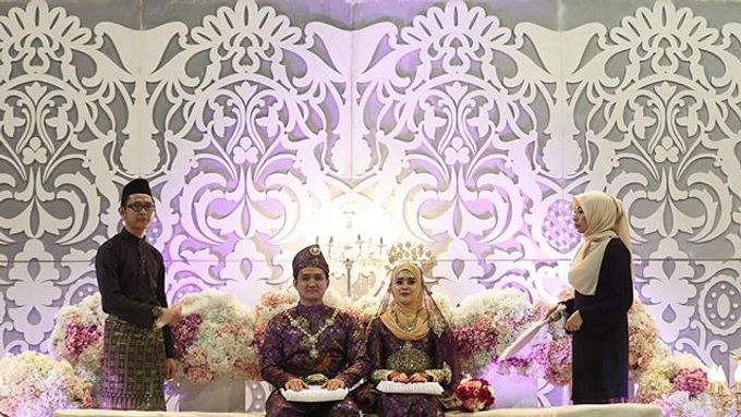 A Malay Traditional Wedding of Izzah & Firdaus by Drawn - 004