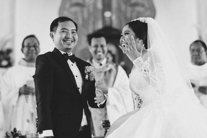 Adit & Celine Modern Ombre Wedding by Flying Bride - 009