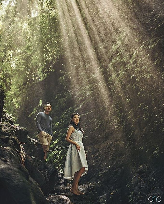 Best Of Prewedding by Hendra & Andre  by Cheese N Click Photography - 034