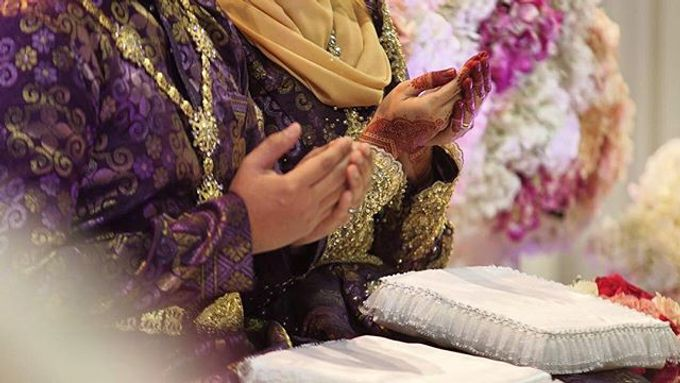A Malay Traditional Wedding of Izzah & Firdaus by Drawn - 002