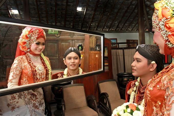 Pernikahan Adat Jawa by Jalutajam Photoworks - 019