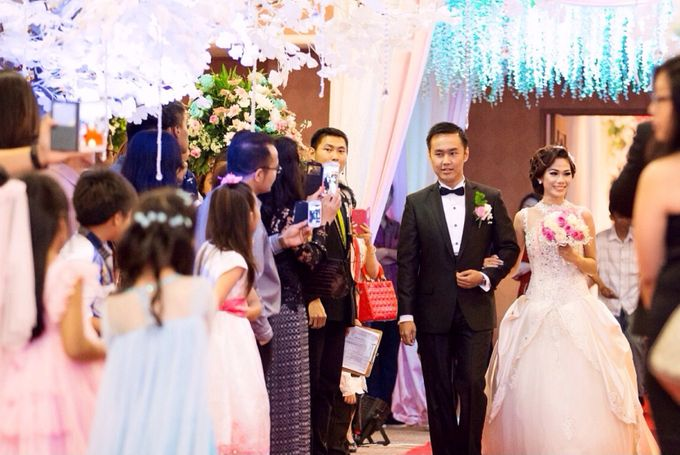 """""""My other half"""" The Wedding of Embun & Erlin by Tracy Bridal House - 001"""