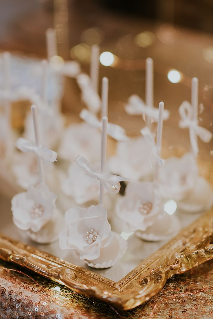A Romantic with Classy Twist Wedding by InterContinental Singapore - 002