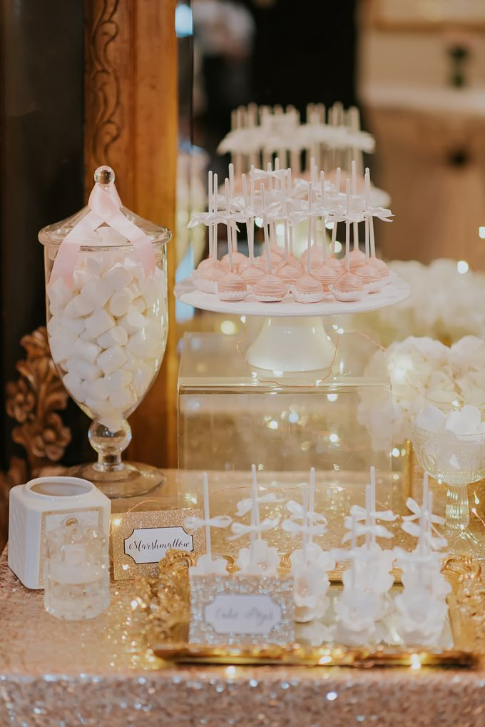 A Romantic with Classy Twist Wedding by InterContinental Singapore - 030