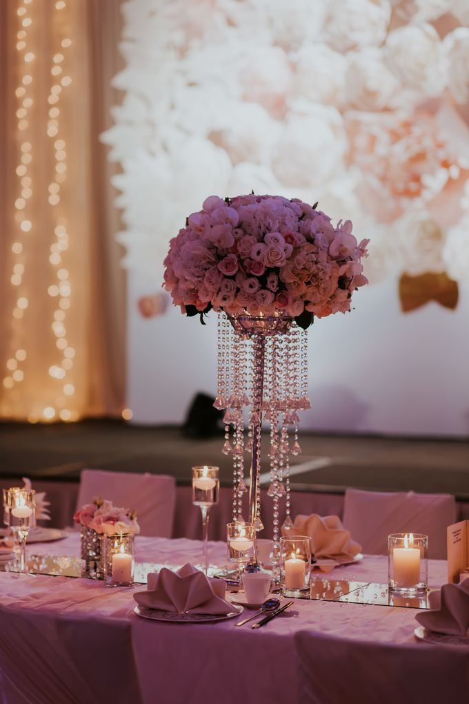 A Romantic with Classy Twist Wedding by InterContinental Singapore - 025