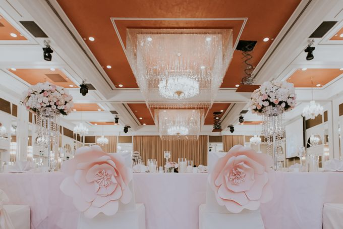 A Romantic with Classy Twist Wedding by InterContinental Singapore - 033