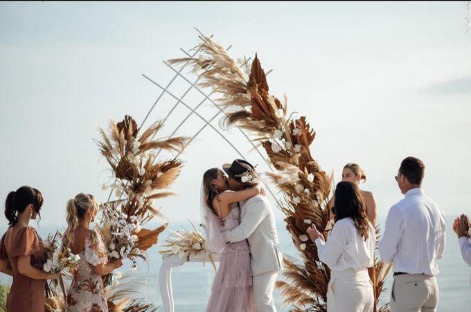 Nicole & Danielle Wedding by Debali Organizer - 003