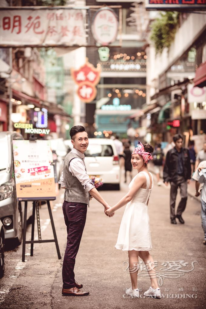 Bustling Street of Hong Kong by Cang Ai Wedding - 013