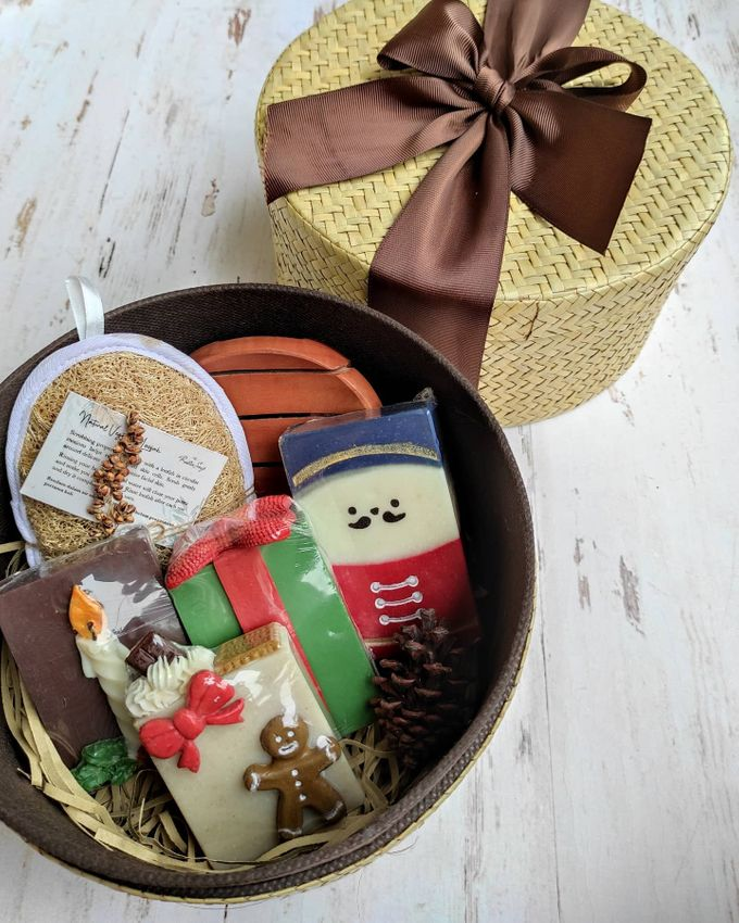 Rustic Bridesmaid Hampers by The Rustic Soap - 002