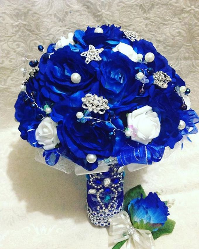 Handcrafted Bouquets and Wedding Accessories  by Duane's Fleur Creatif - 040