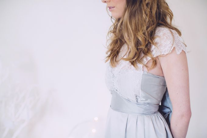 White bridal shoot by Anna Campbell - 004
