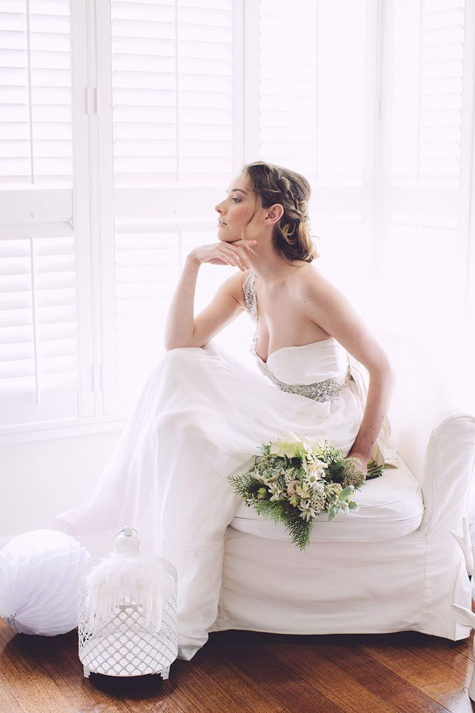 White bridal shoot by Anna Campbell - 003