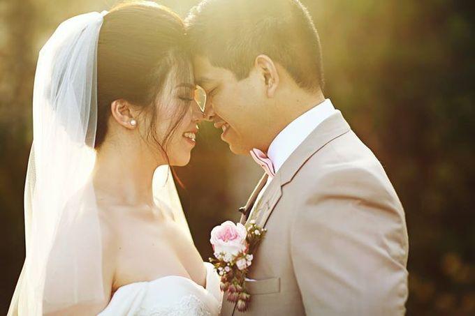 Novia and Nathaniel Semara Uluwatu Wedding by Flying Bride - 004