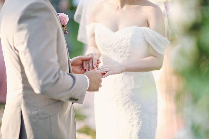 Novia and Nathaniel Semara Uluwatu Wedding by Flying Bride - 011