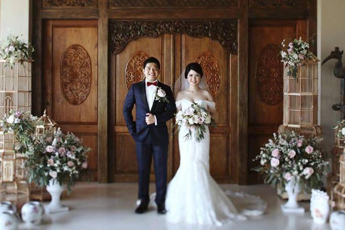 Novia and Nathaniel Semara Uluwatu Wedding by Flying Bride - 008