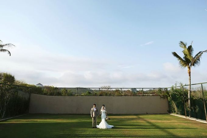 Novia and Nathaniel Semara Uluwatu Wedding by Flying Bride - 005