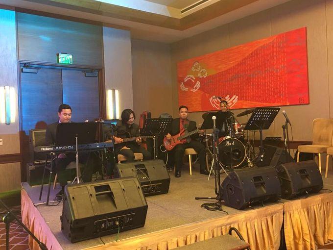 Uno Ritmo Band by Uno Ritmo - 004