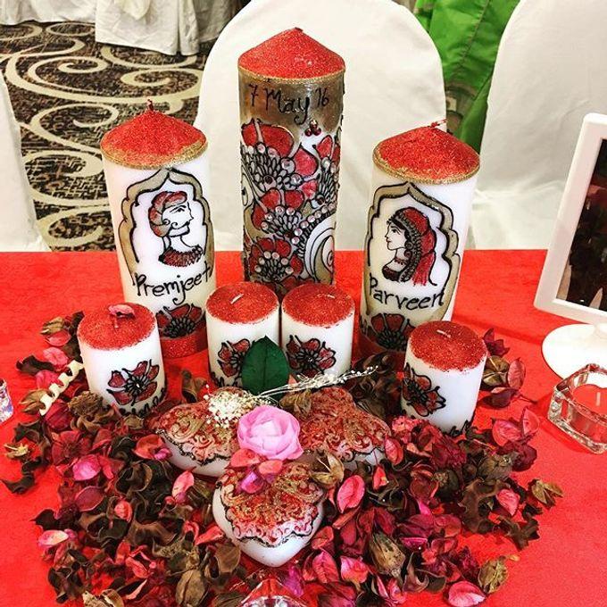 Decorative candles and canvas  by Nakreze Mehndi - 006