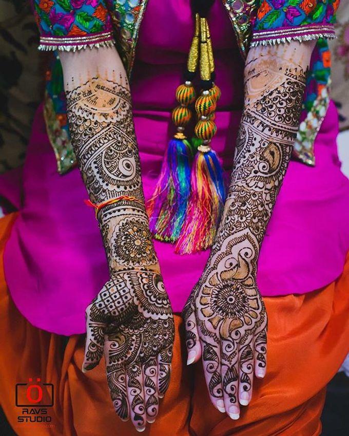 Bridal Henna - Intricate by Nakreze Mehndi - 015
