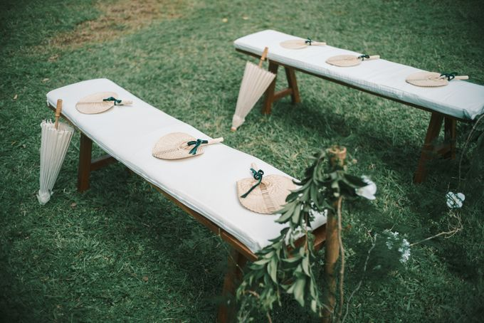 Pernikahan dengan tema ramah lingkungan, dengan keluarga dan teman dekat ditambah dengan dekorasi yang selaras dengan alam membuat pernikahan ini spec by AVAVI BALI WEDDINGS - 040