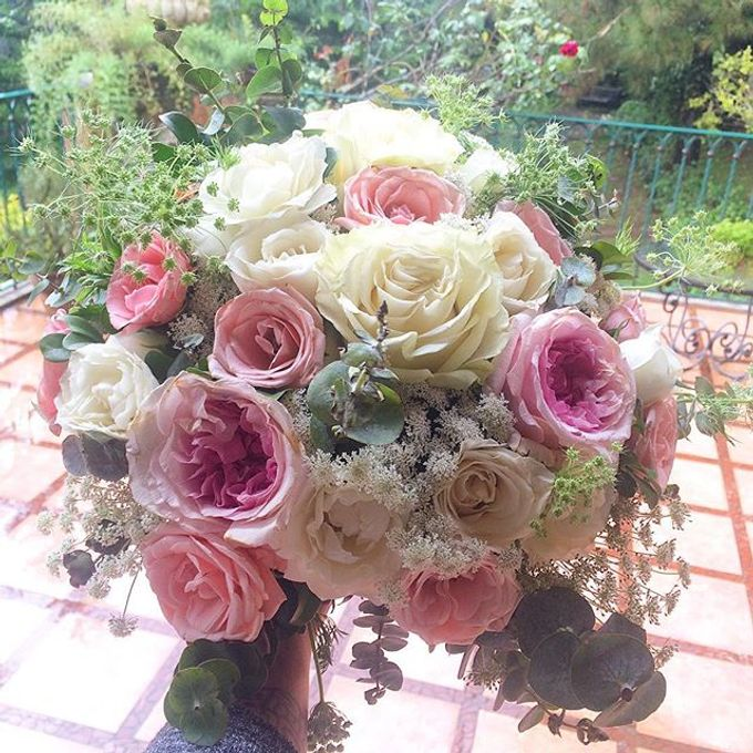 Bouquets  by Weddings by TV - 026