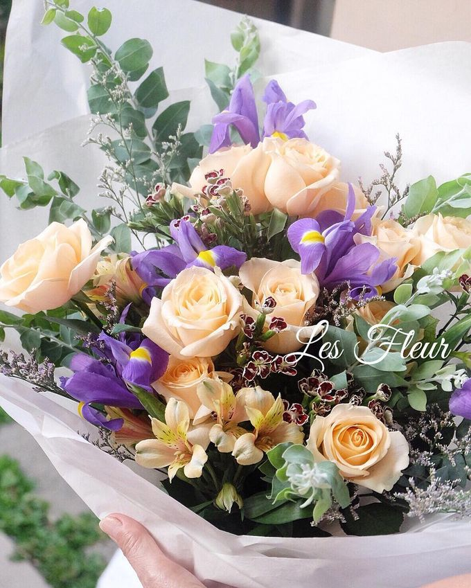 Imported Flowers by Les Fleur Flower Design - 002
