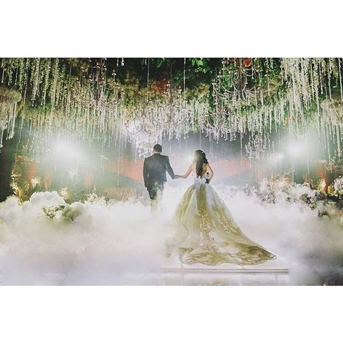 Grand Ballroom Wedding by Shangri-La Hotel, Surabaya - 006