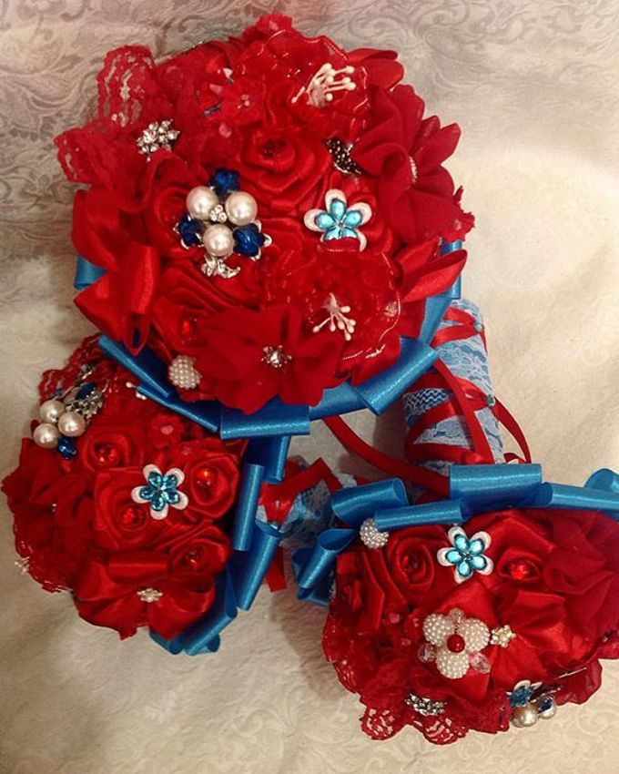 Handcrafted Bouquets and Wedding Accessories  by Duane's Fleur Creatif - 036
