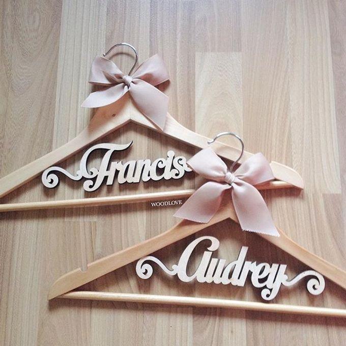 Wooden Hanger by WoodLove - 014