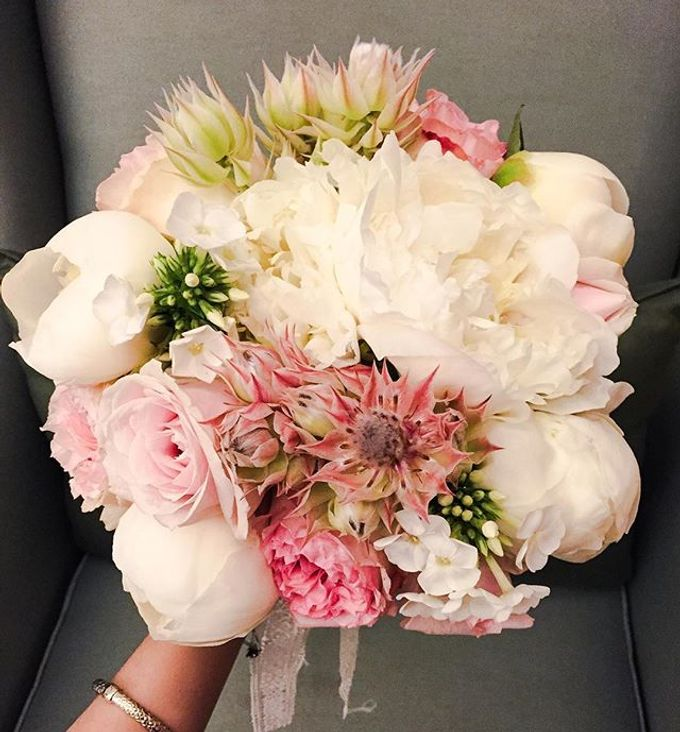Wedding Bouquet 3rd Album by Blooming Elise Flowers - 004
