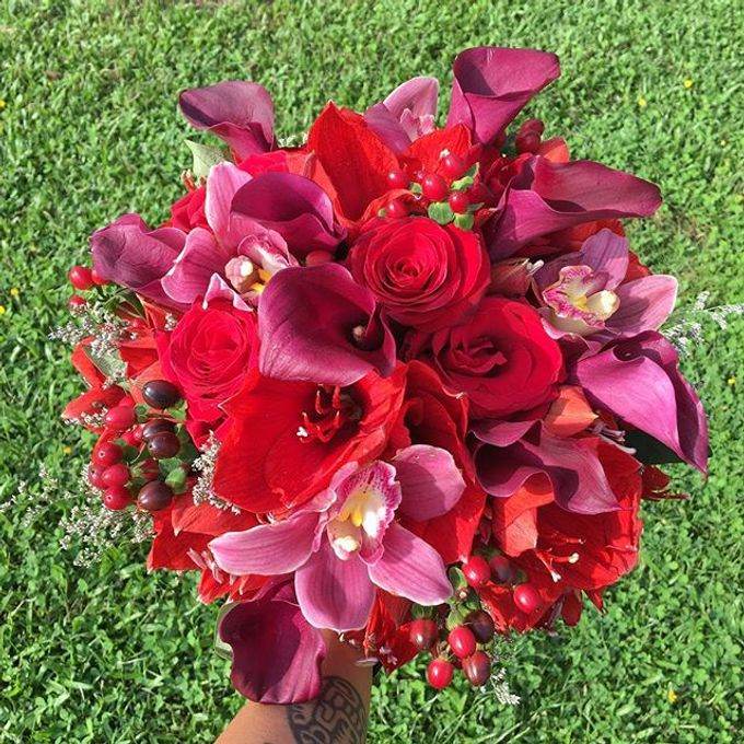 Bouquets  by Weddings by TV - 027
