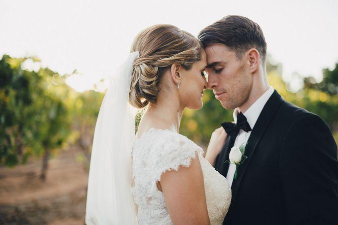 Hannah and James Wedding by iZO Photography - 010